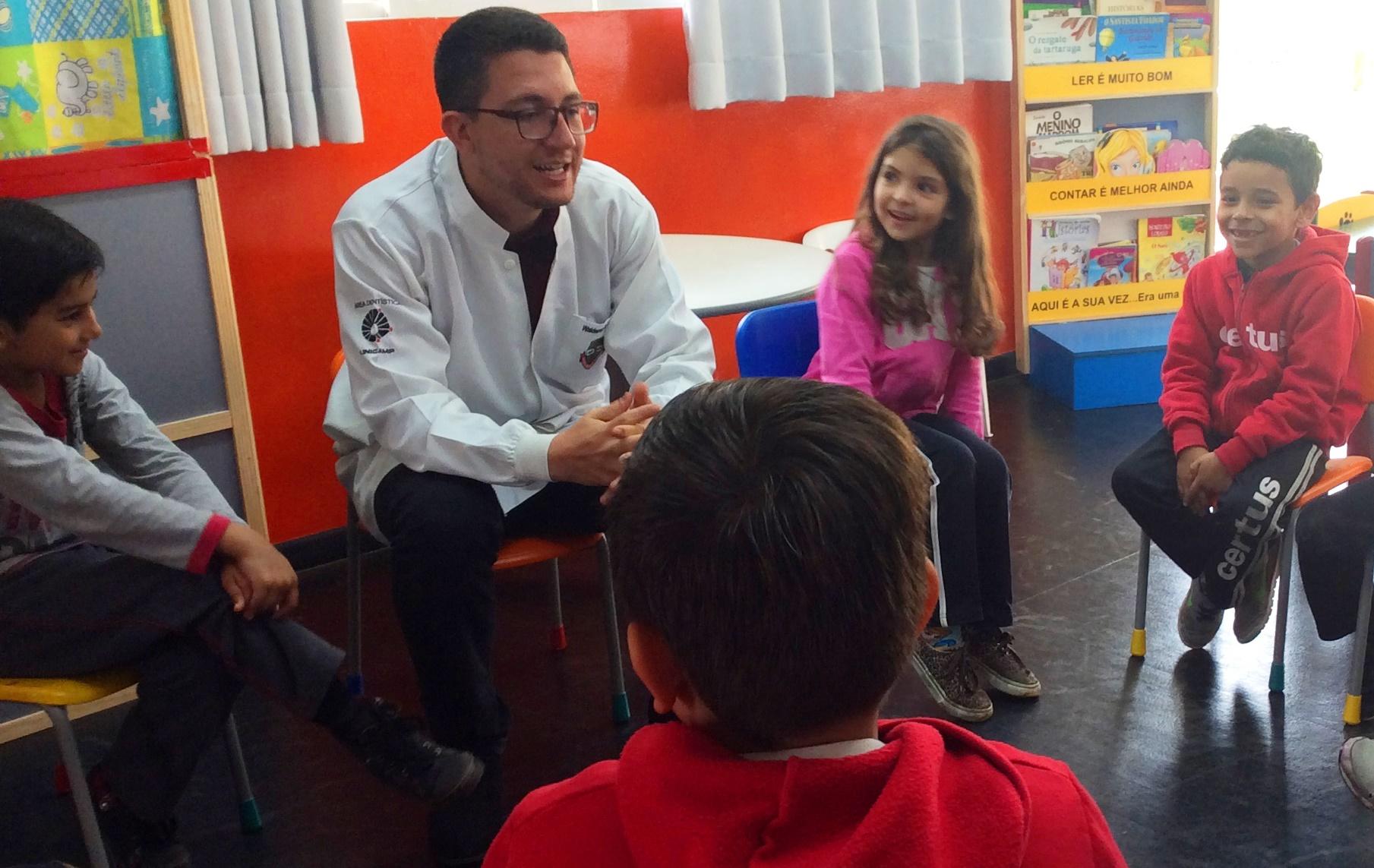 Dr. Waldemir esclarece as dúvidas das crianças