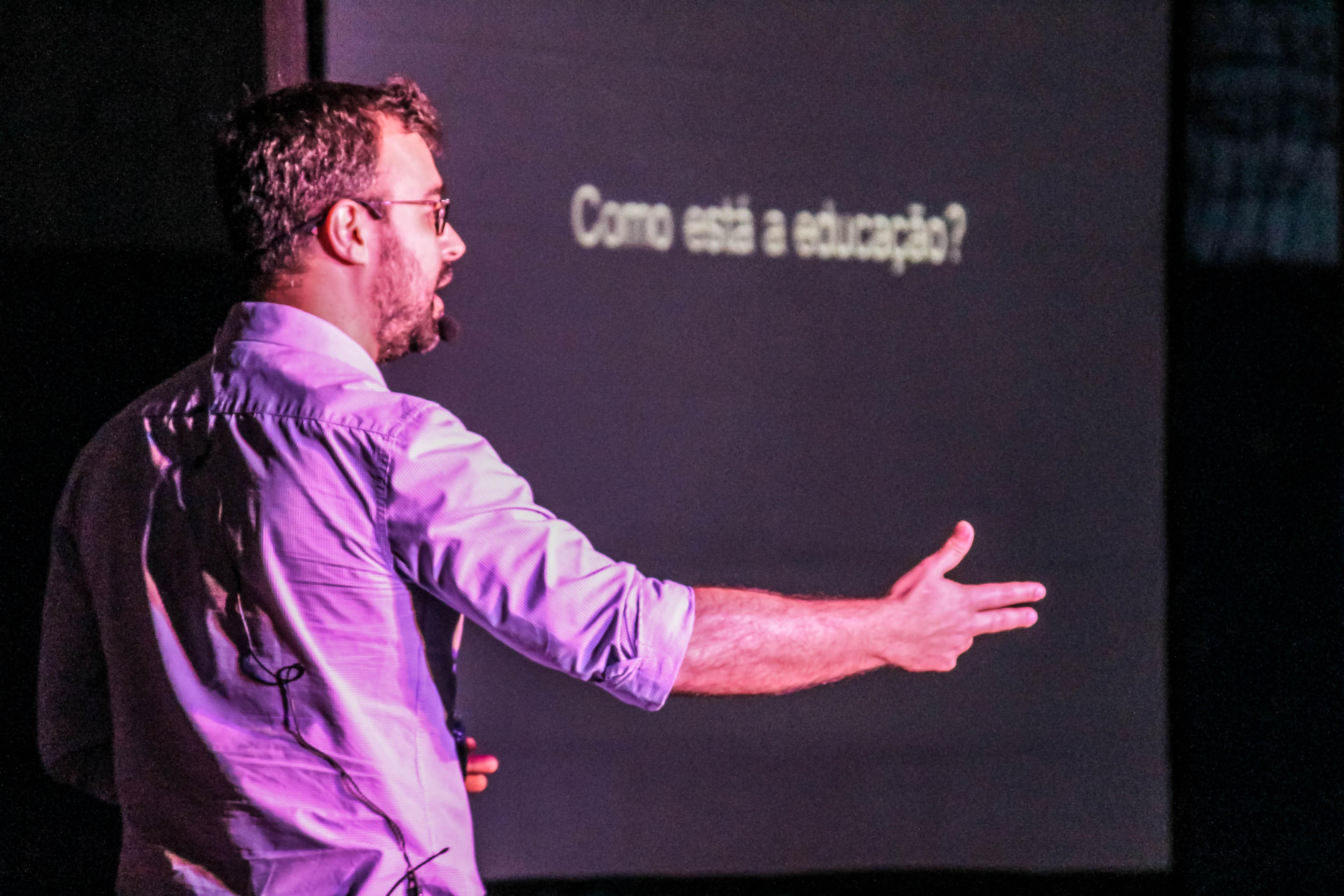 Rodrigo Pucci - Como está a educação hoje?