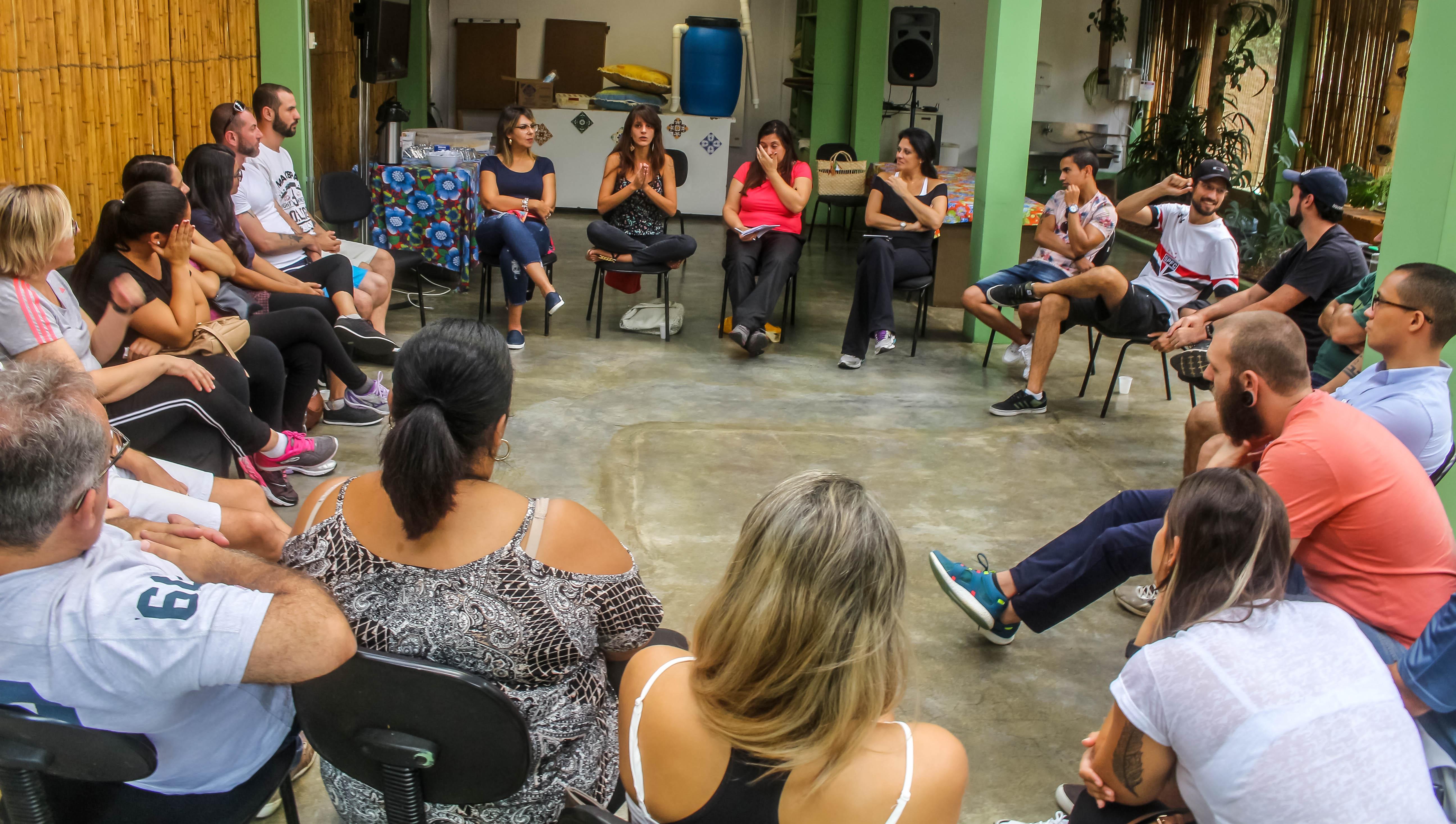 Professores dialogam sobres ações do ano