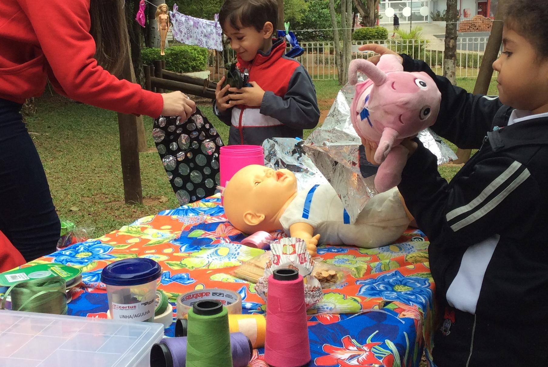 Turma Integral Certus reforma brinquedos campanha globalDia do aprender brincando