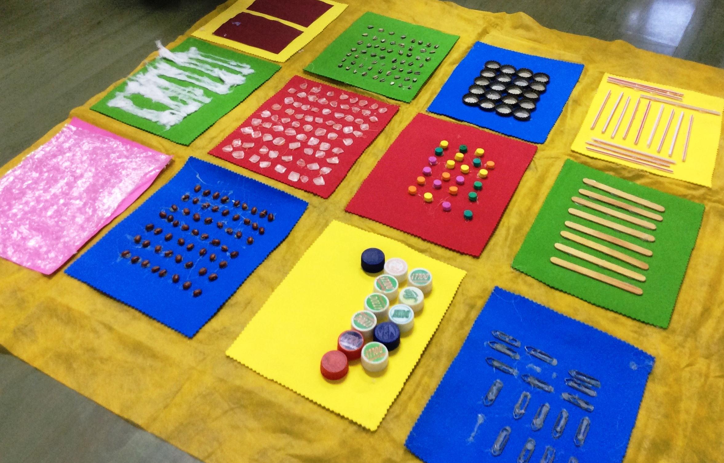 Tapete sensorial usado pelas crianças da Recreação da Educação Infantil do Certus