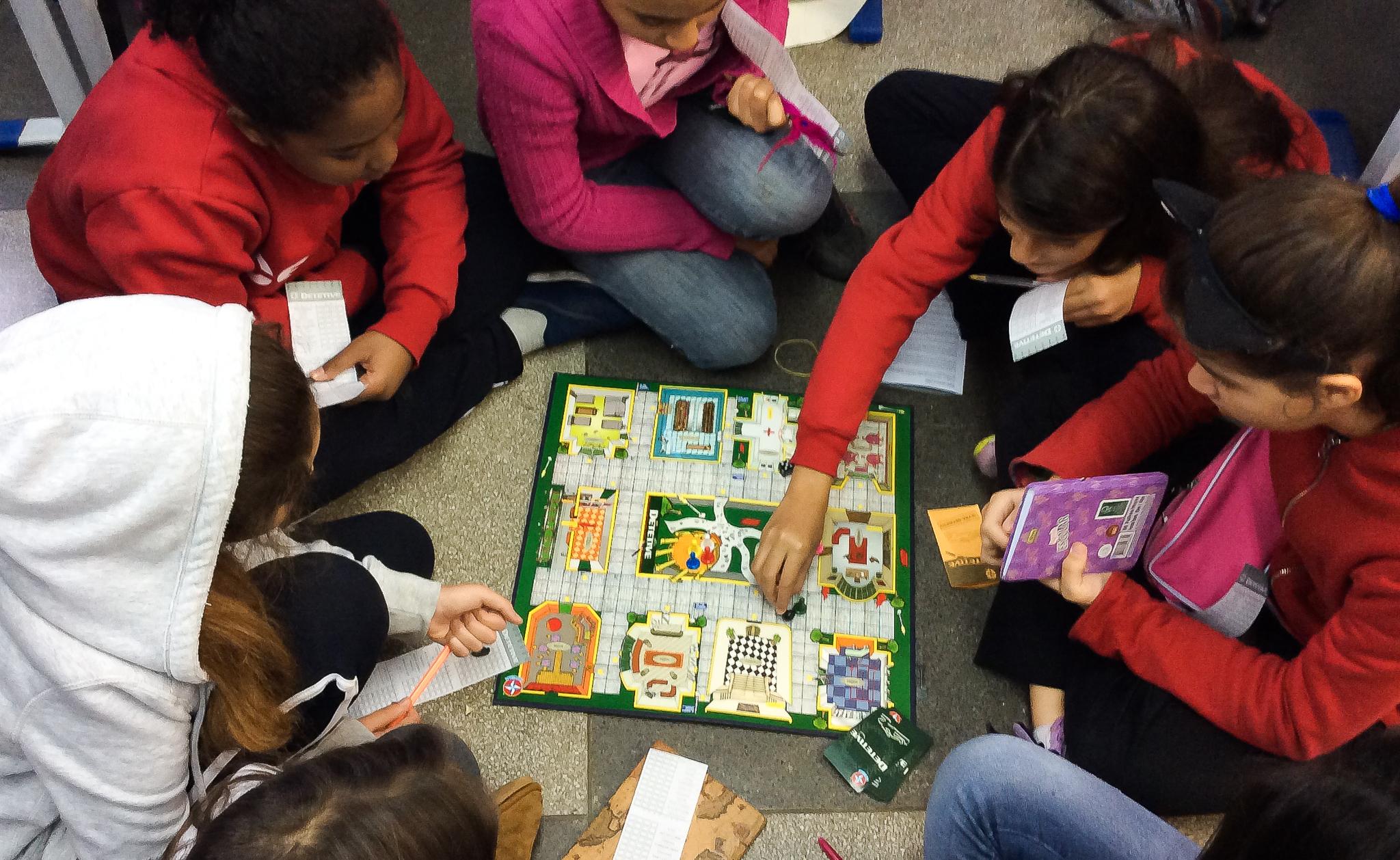 Professora de Português desenvolve habilidades com foco na identificação de padrões com alunos do Fundamental do colégio Certus