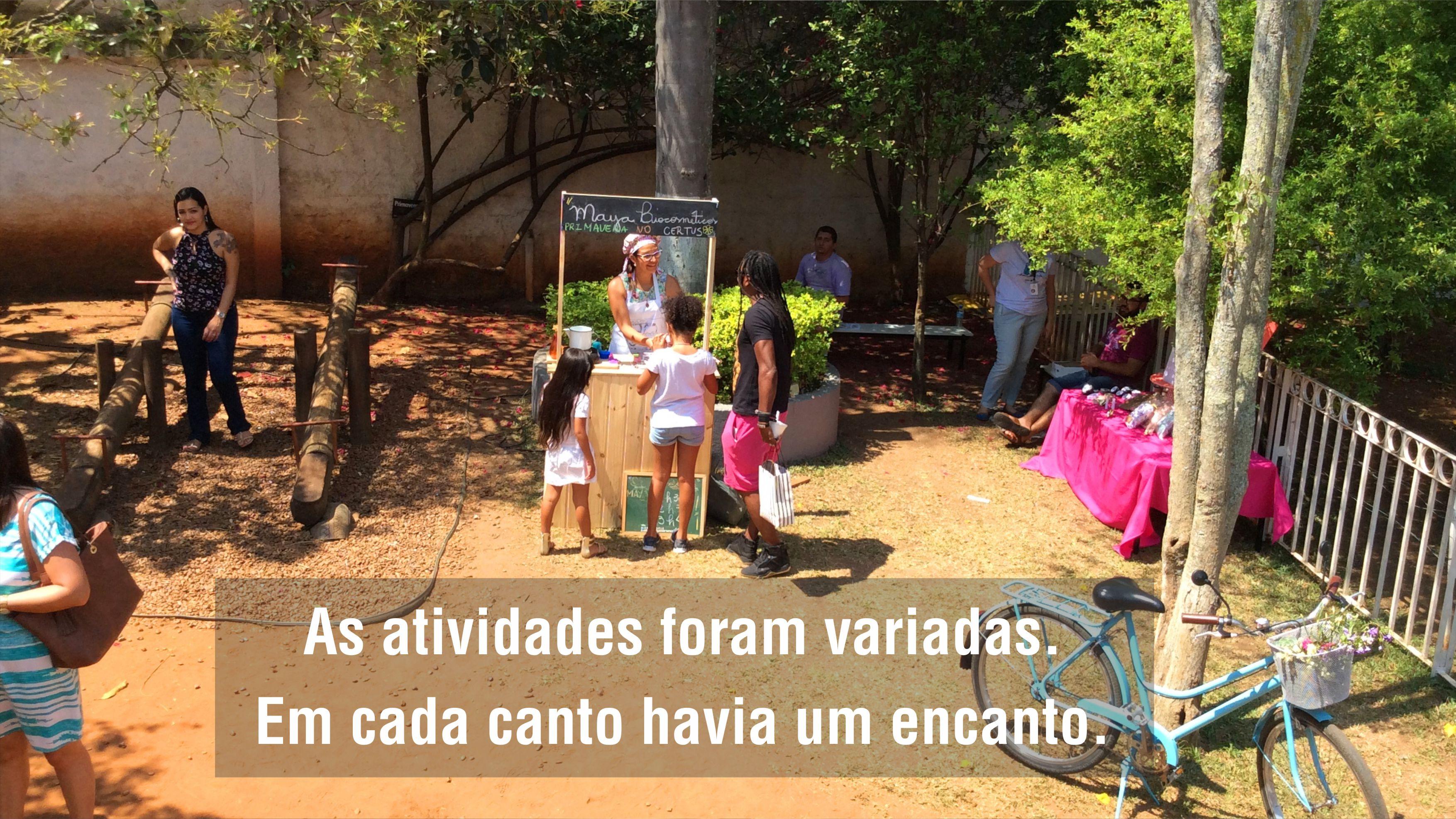 Evento Festa da Primavera do Certus faz um festival de cores no seu amplo jardim de área verde para visitantes pais e alunos da educação infantil, fundamental e médio