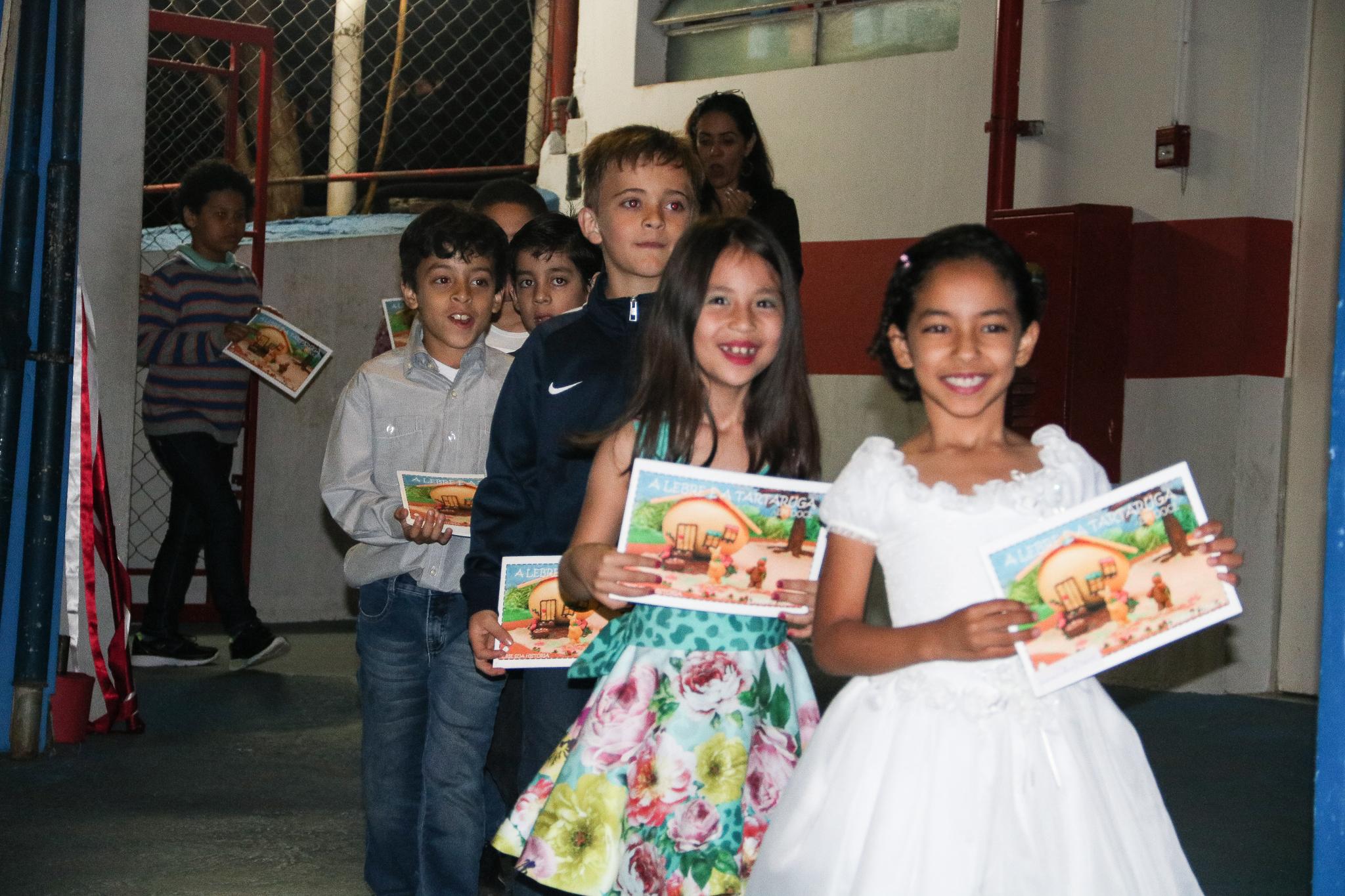 Projeto Doces Leituras desenvolvido com os 2ºs anos do Fundamental do Certus, alunos escrevem o próprio livro com o lançamento na 3ª Noite de Autógrafos do, co-ação do Balaio de Leitura.